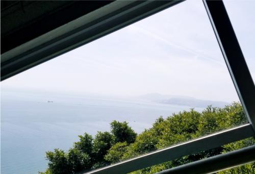 カーレーターから見える淡路島